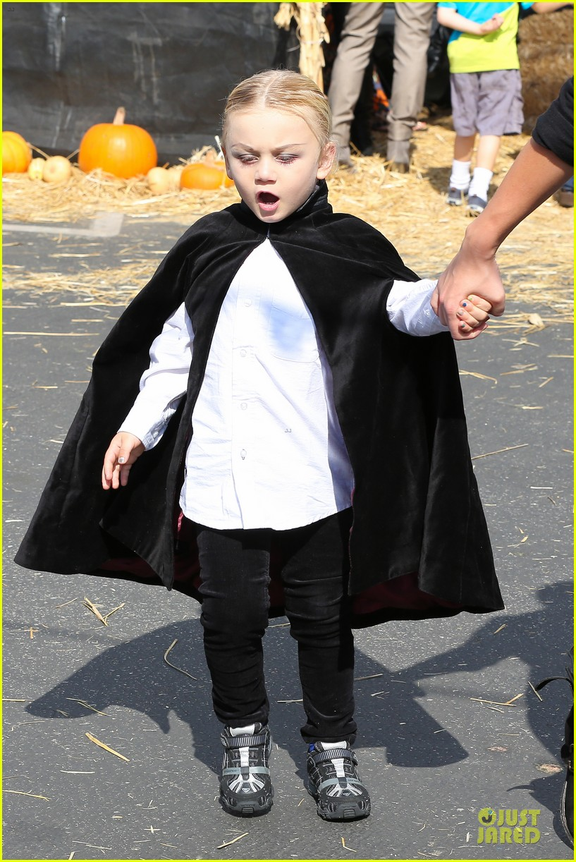 gwen stefani gavin rossdale pumpkin patch with the kids 102742321