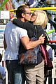gwen stefani gavin rossdale pumpkin patch with the kids 04