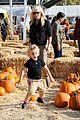 gwen stefani gavin rossdale pumpkin patch with the kids 34
