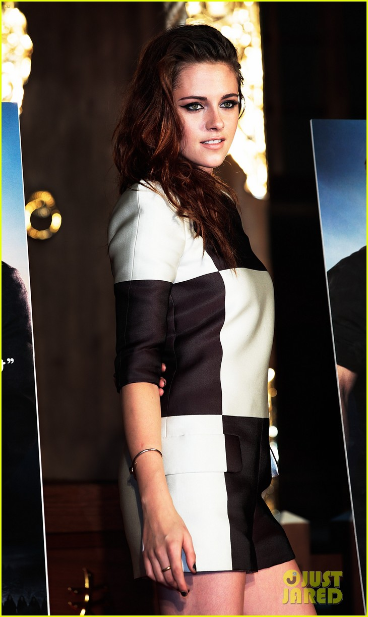 kristen stewart twilight saga breaking dawn part 2 tokyo photo call 092743993