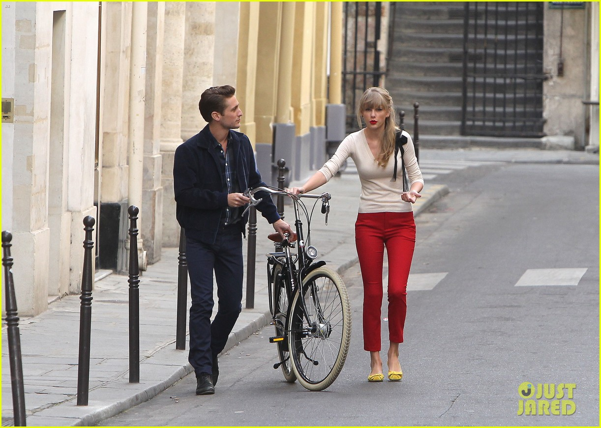 taylor swift emma stone lunch in paris 08
