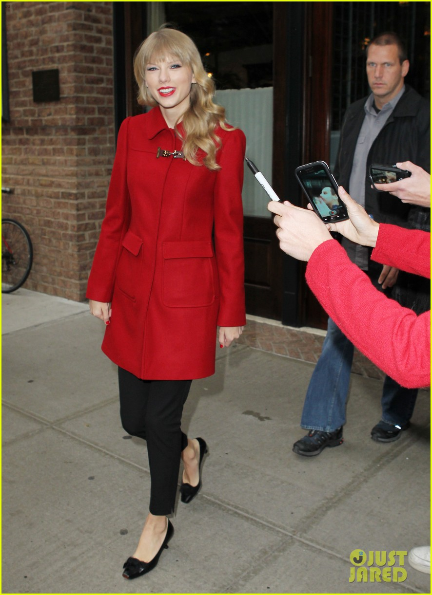 taylor swift late show with david letterman guest 052743596