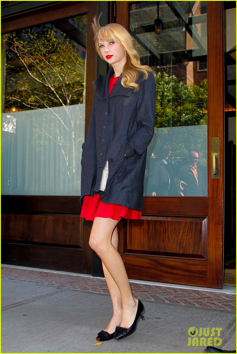 taylor swift red promotion in new york city 052742679