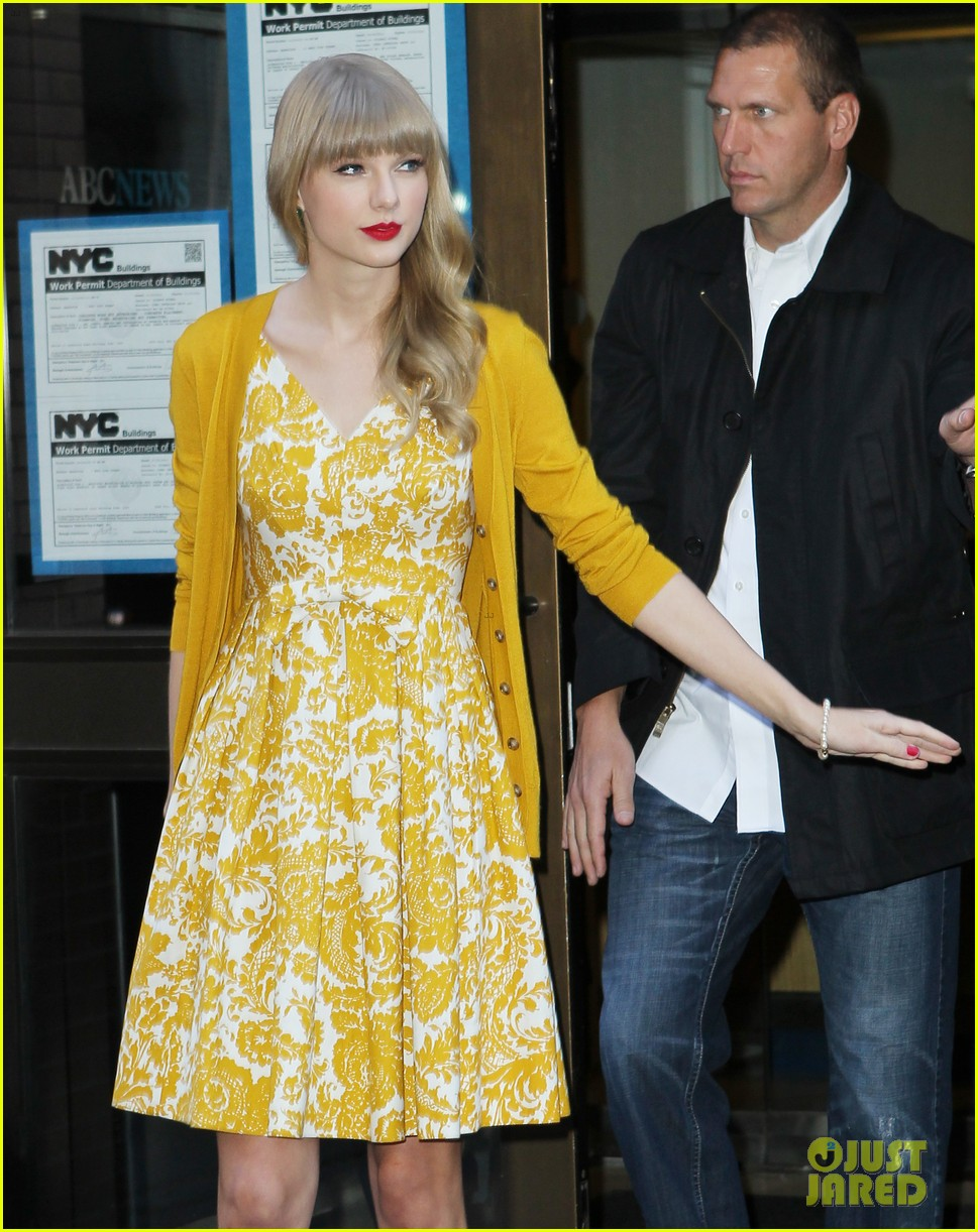 taylor swift red promotion in new york city 182742692