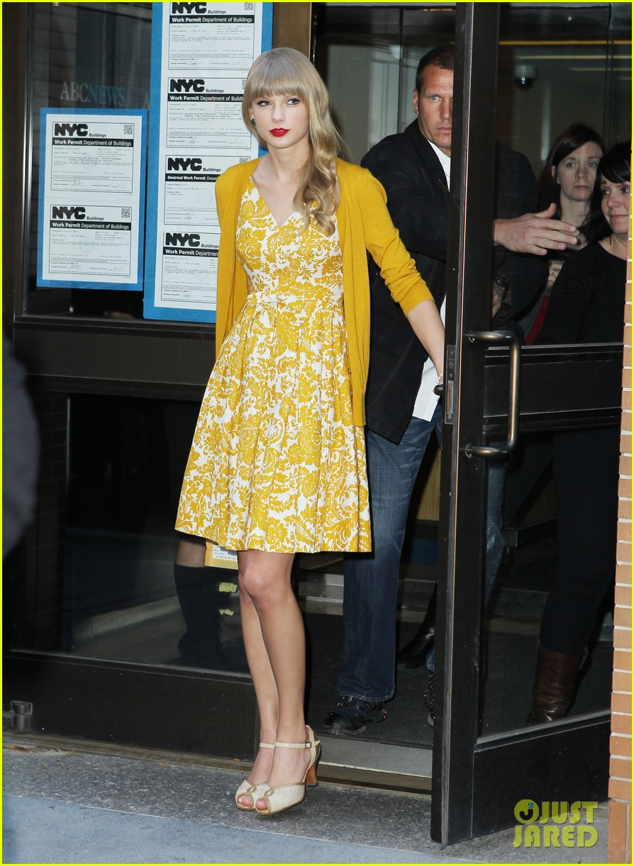 taylor swift red promotion in new york city 20