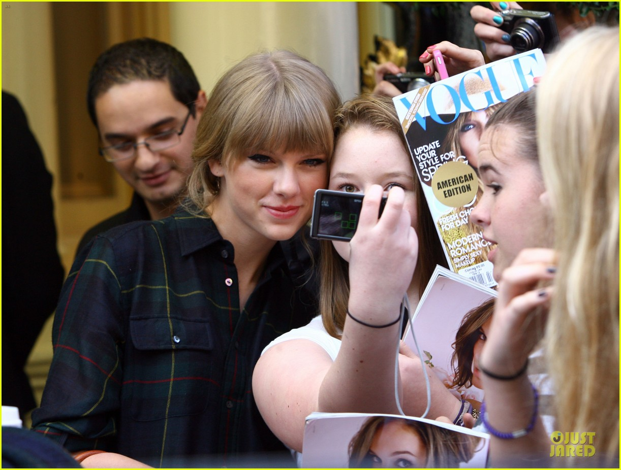 taylor swift i would much rather my personal life be sung about 082733990