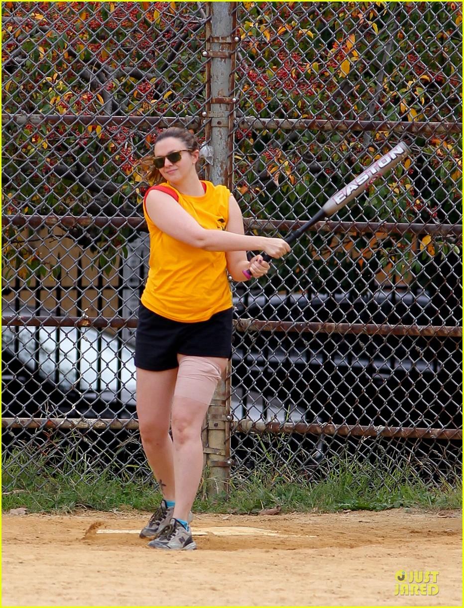 amber tamblyn america ferrera softball players in the big apple 042747279