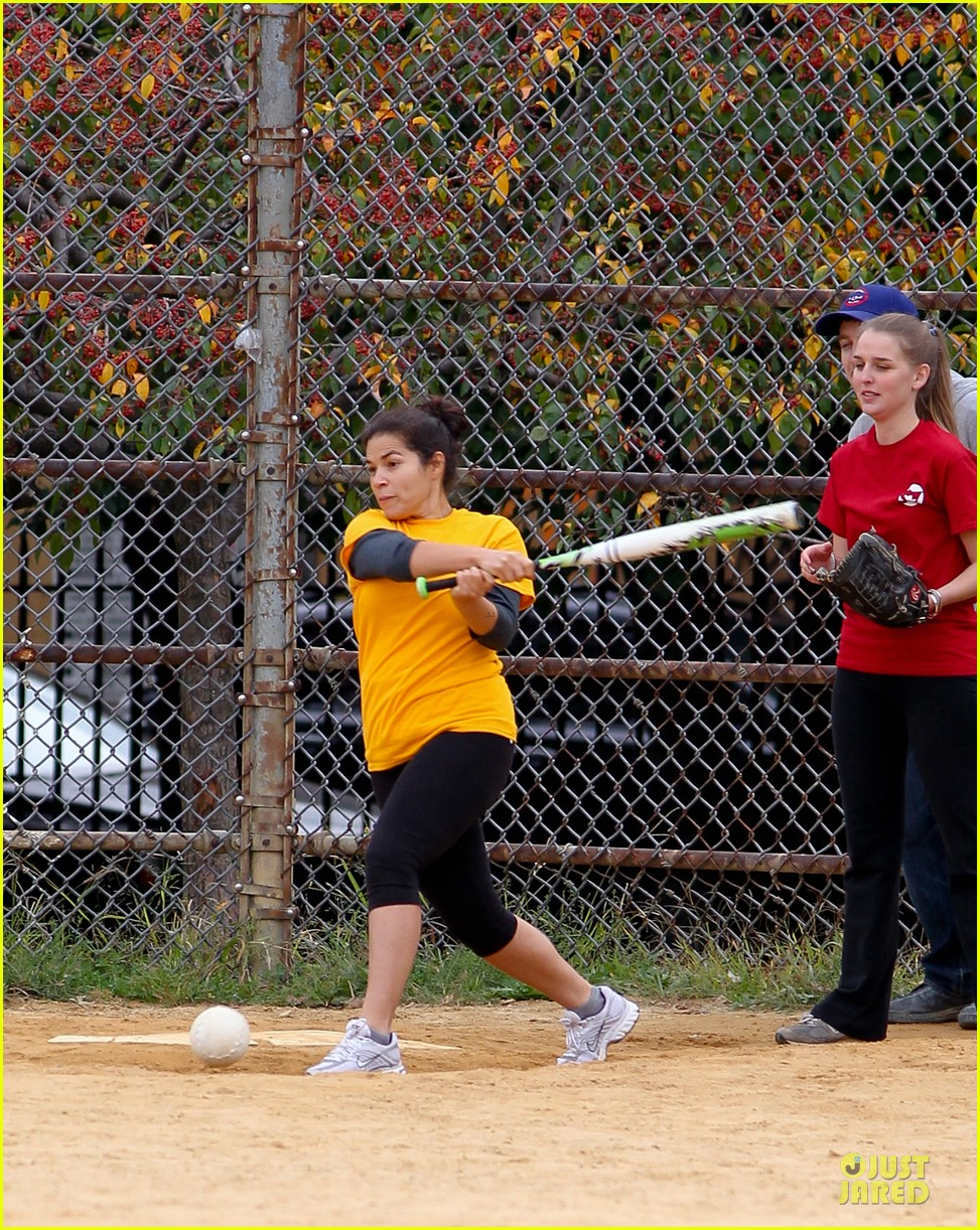 amber tamblyn america ferrera softball players in the big apple 10