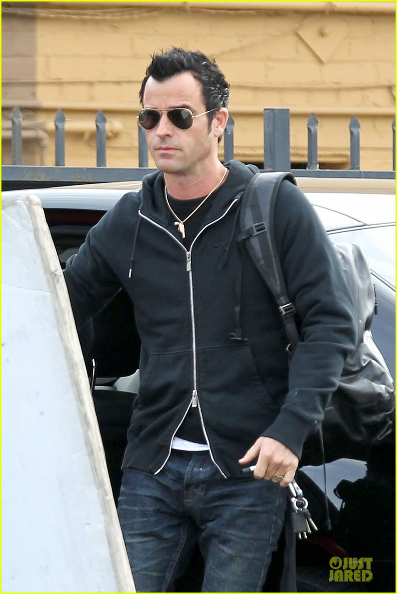 justin theroux funny or die arrival west hollywood 022735647