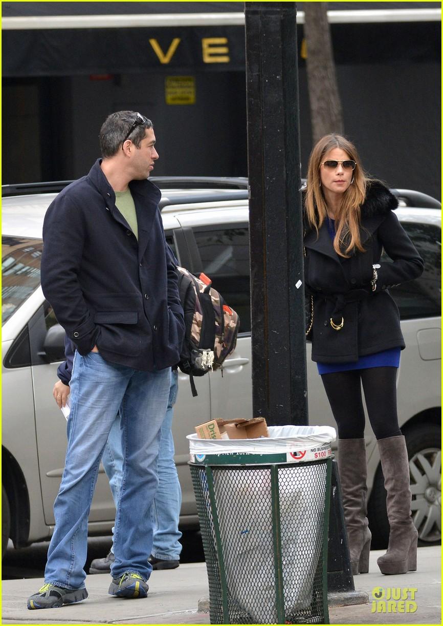 sofia vergara apartment hunting couple 032747257