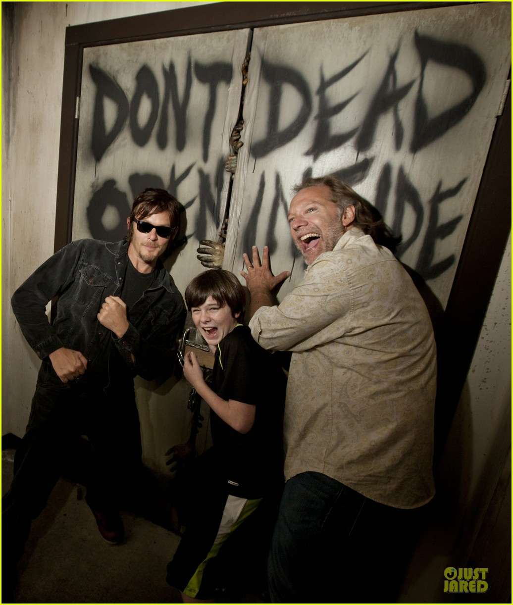 walking dead cast halloween horror nights 012738412
