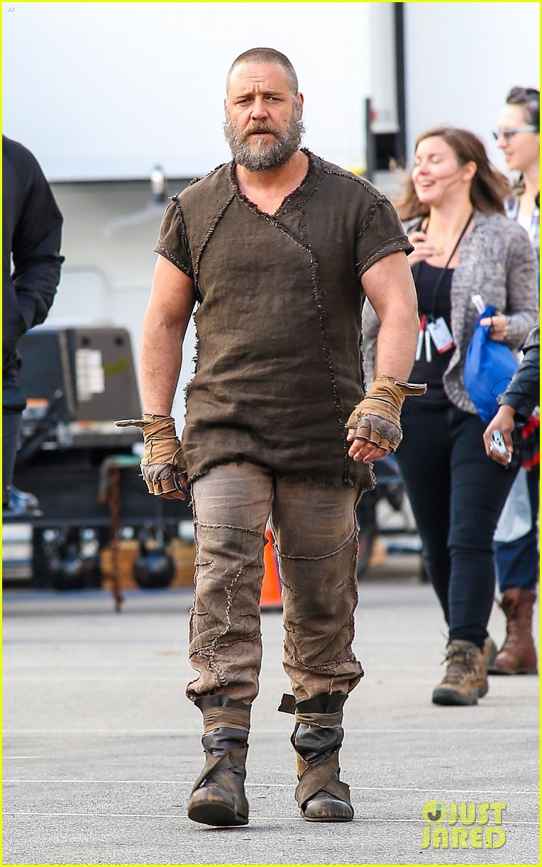 emma watson russell crowe film noah in brookville 09