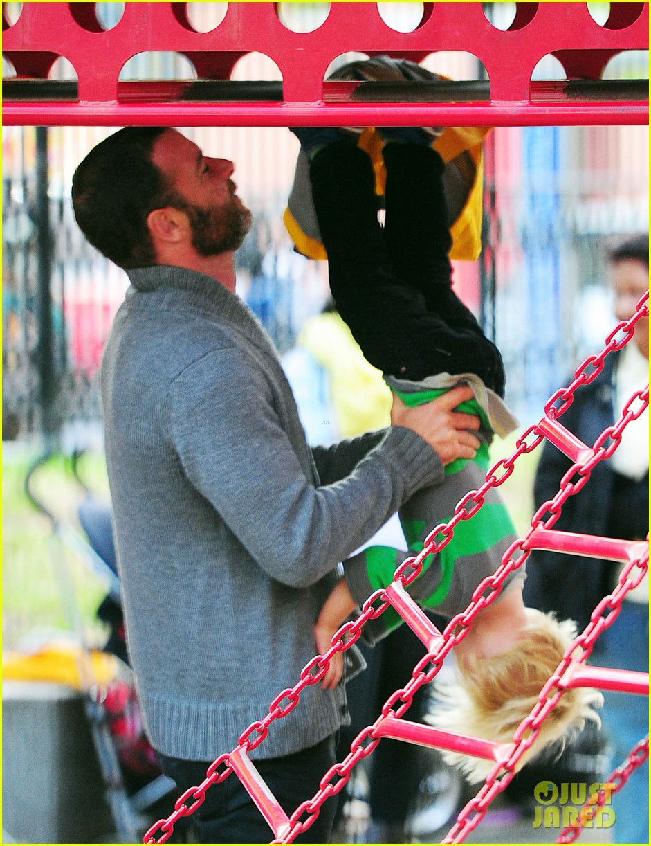 naomi watts liev schreiber family time big apple 022736616
