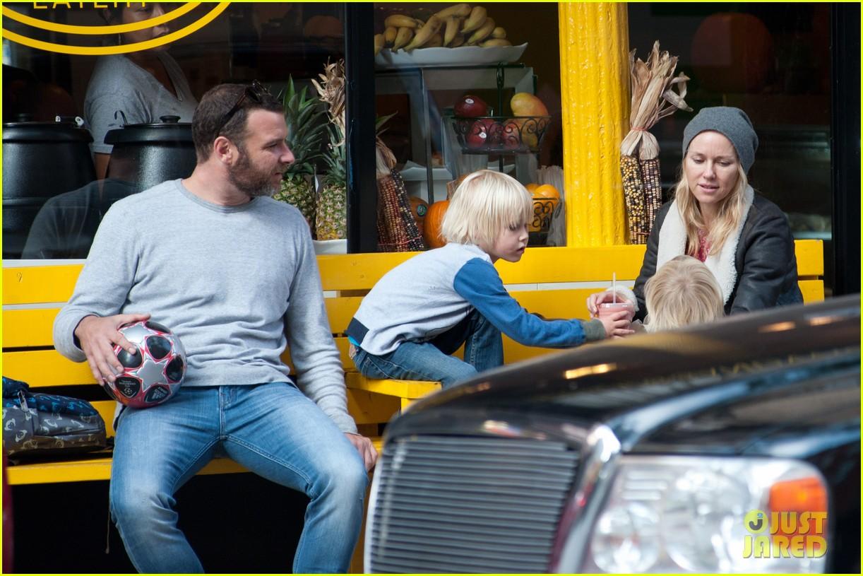 naomi watts liev schreiber big apple soccer afternoon with kids 032740548