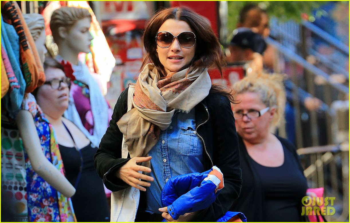 rachel weisz on the move in nyc 032731451