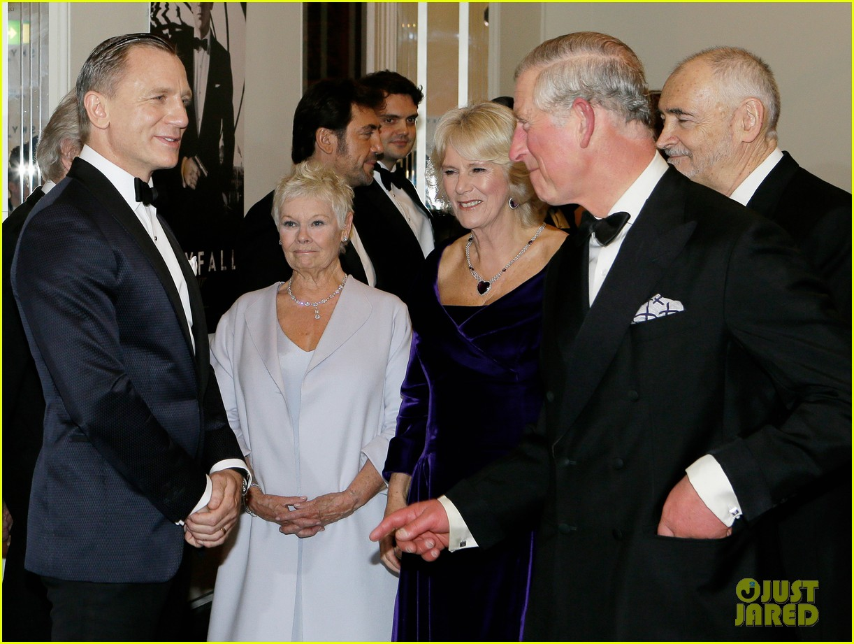 rachel weisz daniel craig meet the royals at skyfall premiere 032743730
