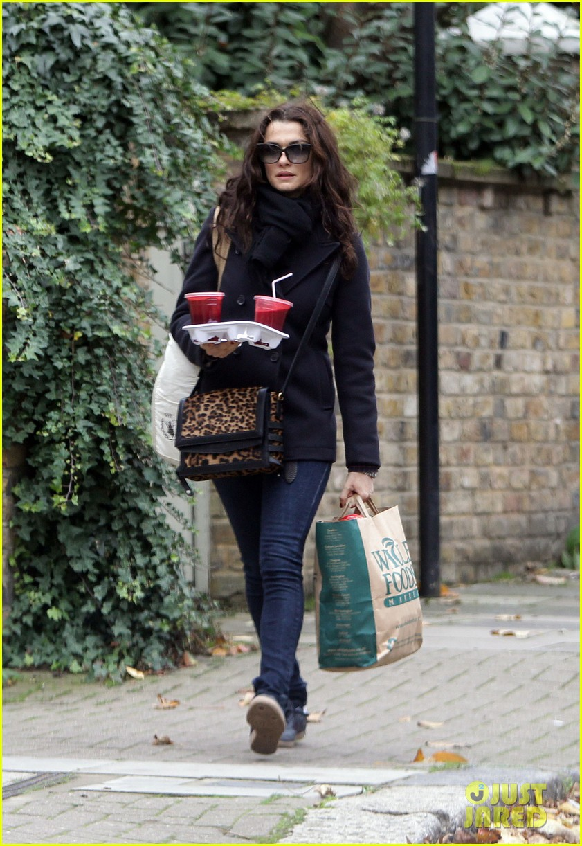 rachel weisz whole foods smoothie stop 112748885