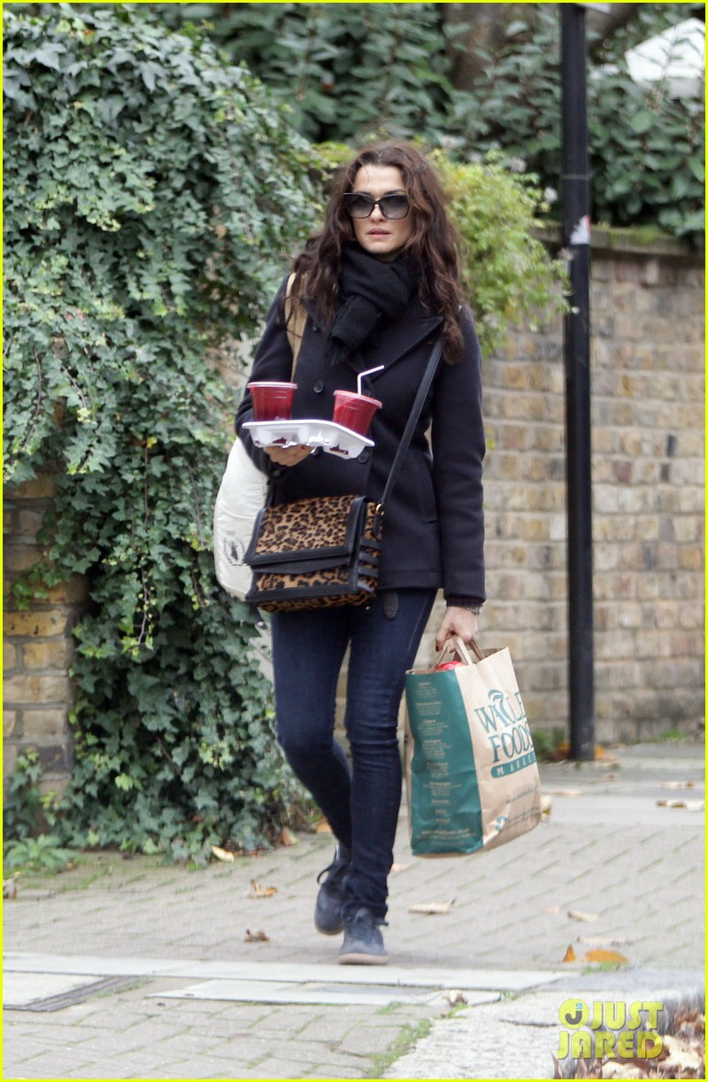 rachel weisz whole foods smoothie stop 122748886