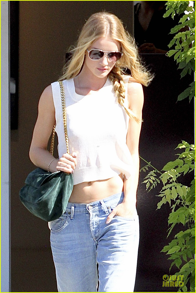 rosie huntington whiteley jason statham art gallery shopping 022741151