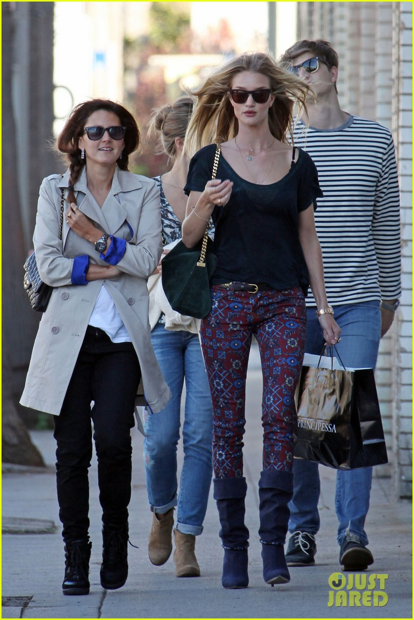 rosie huntington whiteley retail therapy outing 02