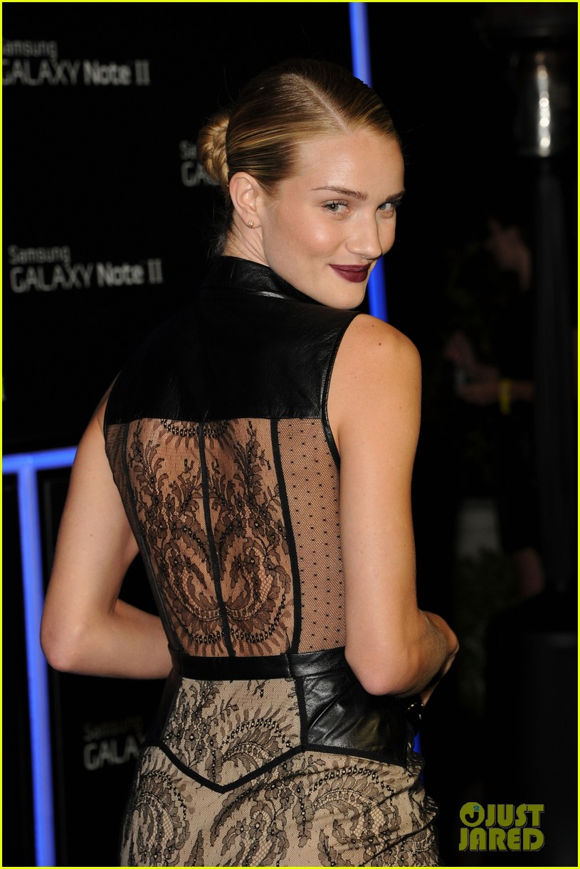 rosie huntington whiteley samsung galaxy launch party 12