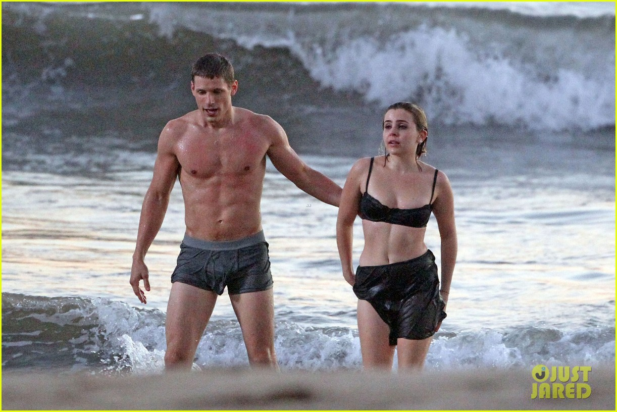 mae whitman matt lauria steamy parenthood beach scenes 042739972
