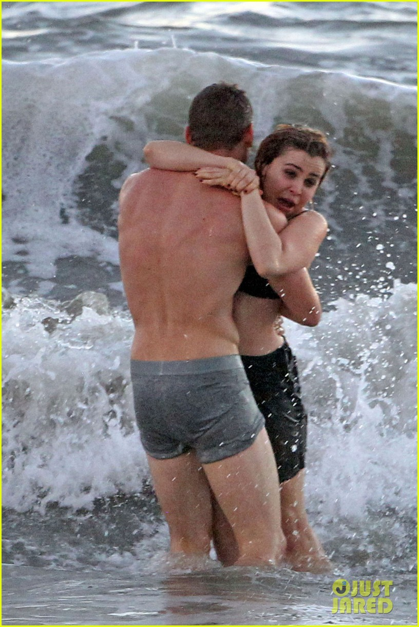 mae whitman matt lauria steamy parenthood beach scenes 052739973