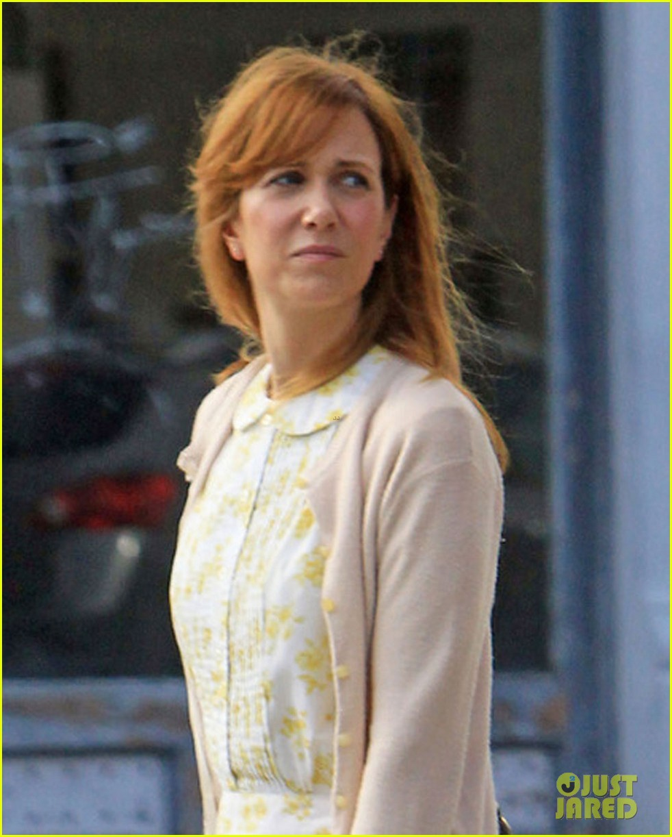 kristen wiig first look hateship set 04