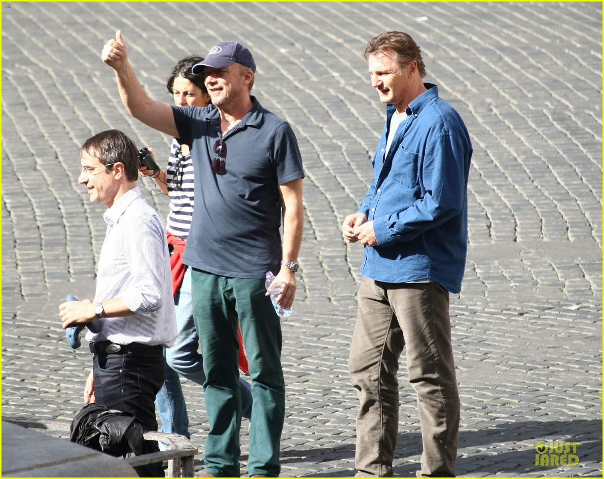 olivia wilde the third person set with liam neeson 18
