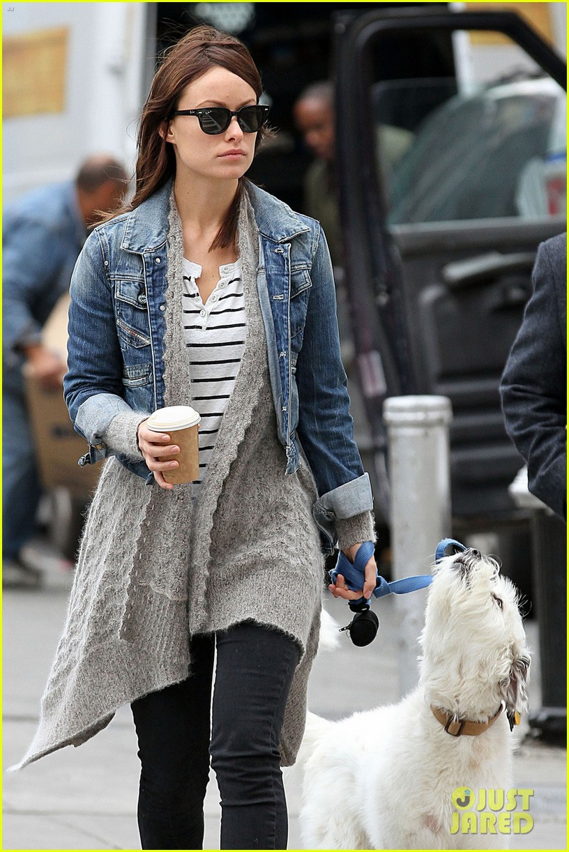 olivia wilde new york stroll with paco 042737499