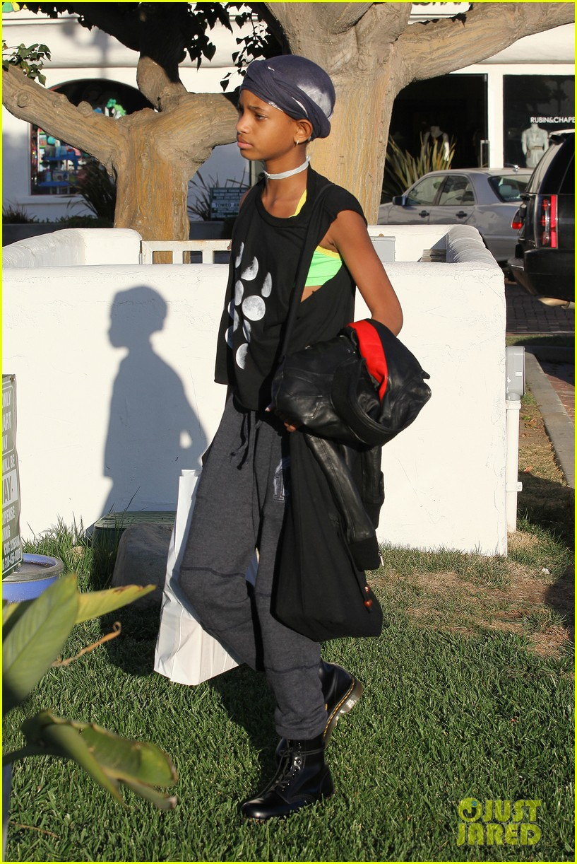 willow smith tra di noi lunch with mom jada 04