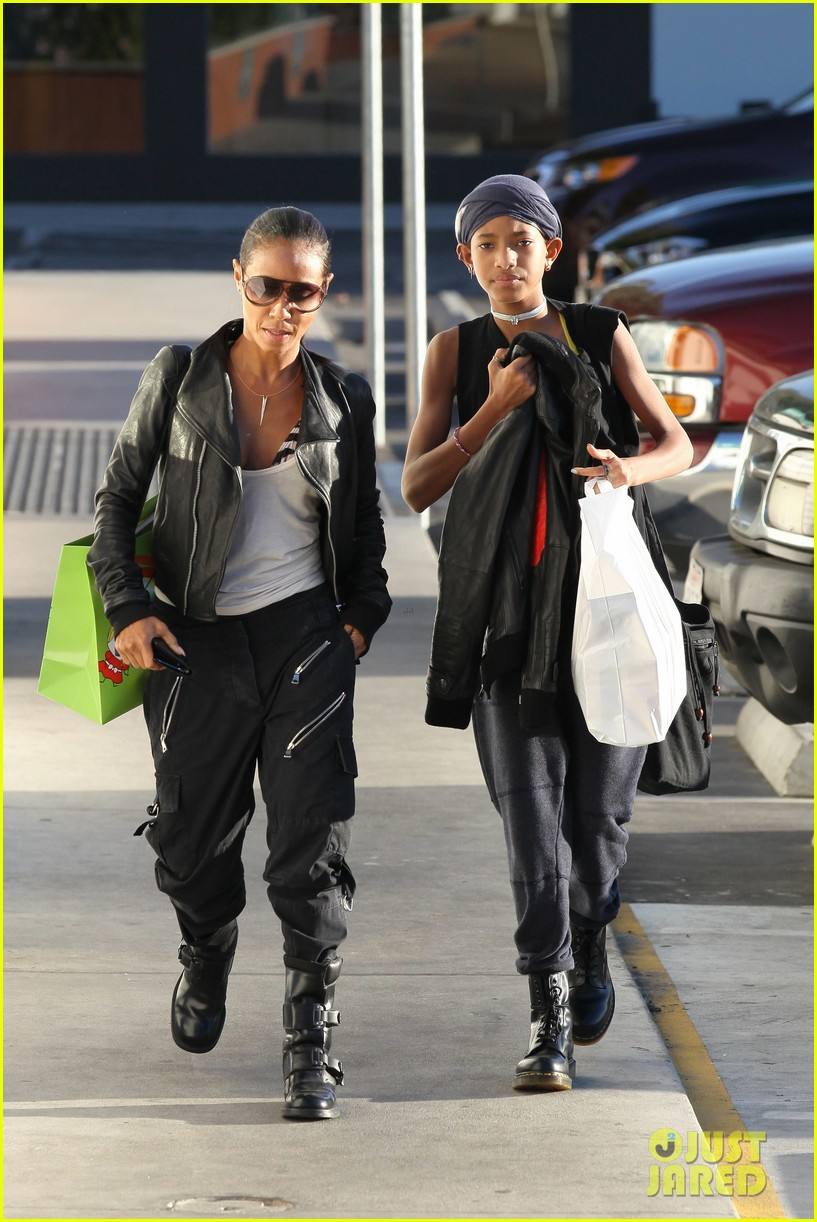 willow smith tra di noi lunch with mom jada 072739775