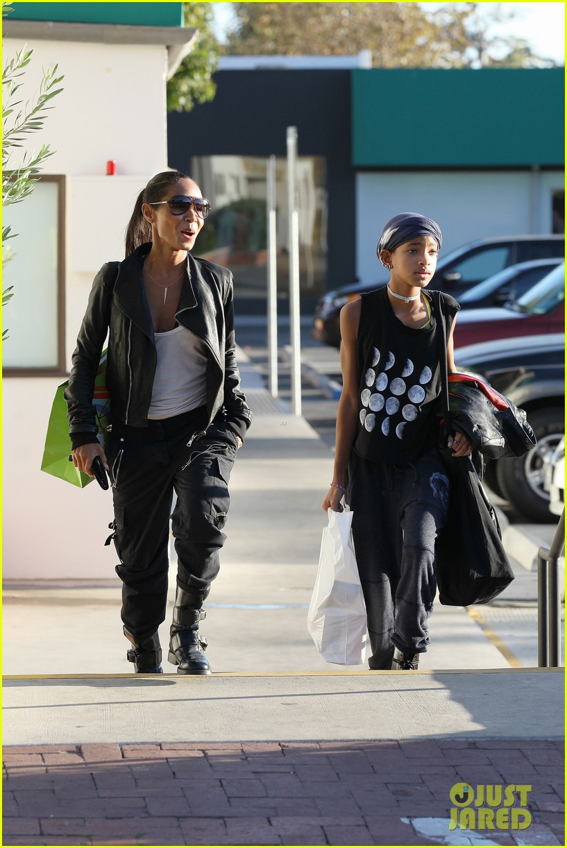 willow smith tra di noi lunch with mom jada 162739784