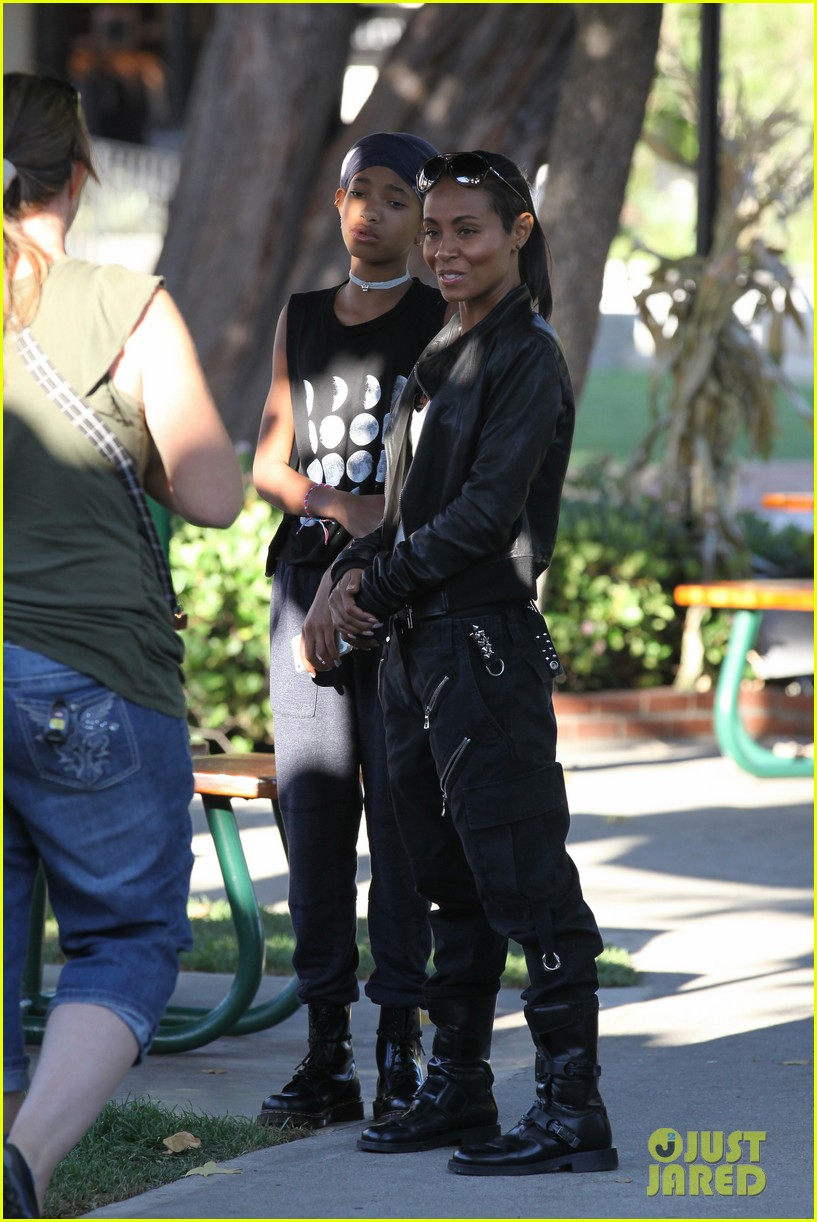 willow smith tra di noi lunch with mom jada 182739786