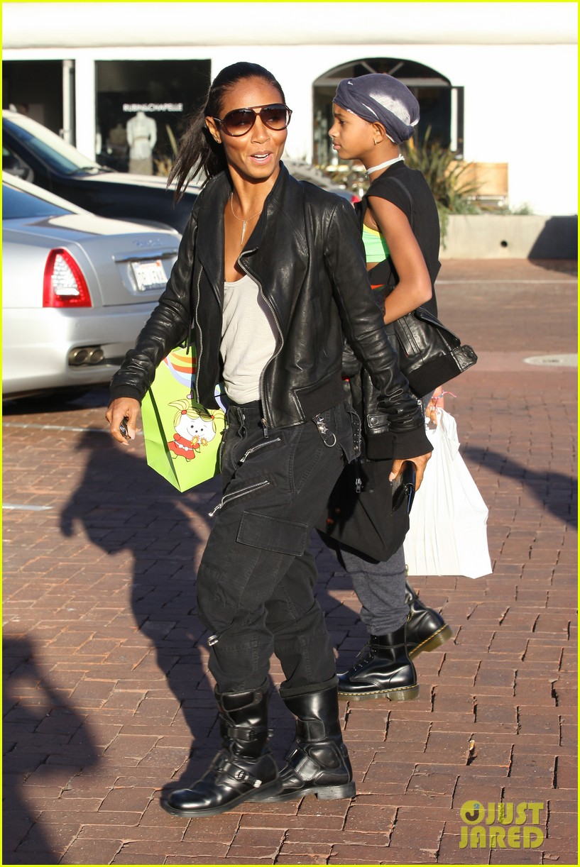 willow smith tra di noi lunch with mom jada 232739791