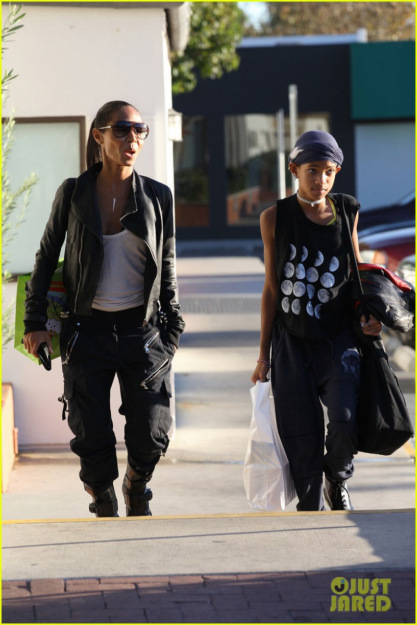 willow smith tra di noi lunch with mom jada 262739794