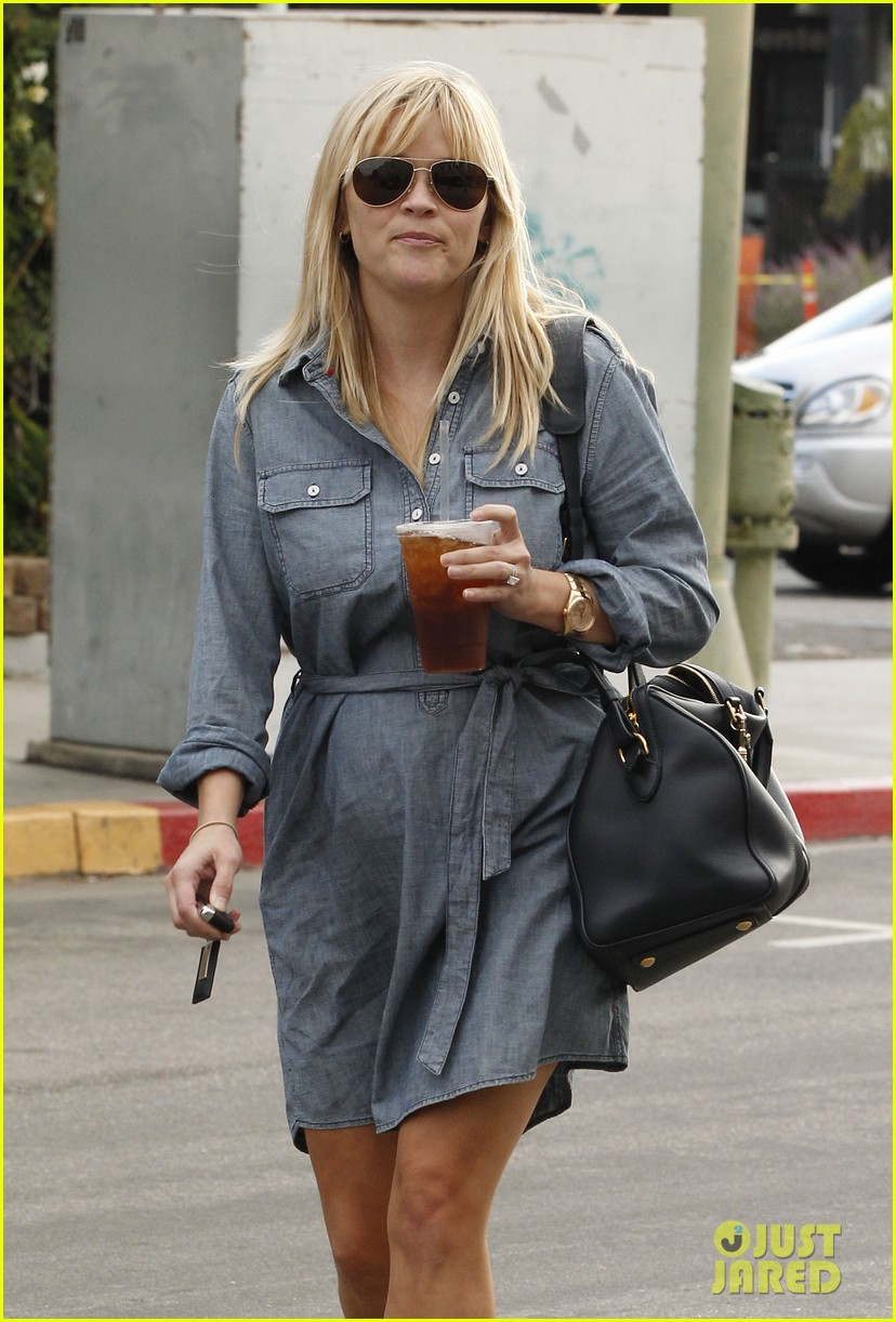 reese witherspoon brentwood lunch with ava 022743170