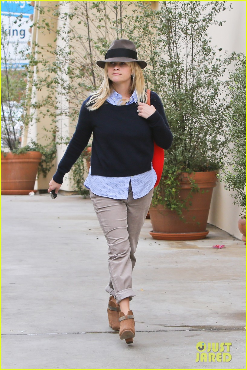 reese witherspoon brentwood lunch with ava 04a2743173