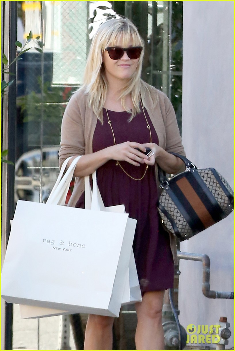 reese witherspoon recording duet with michael buble 022745359