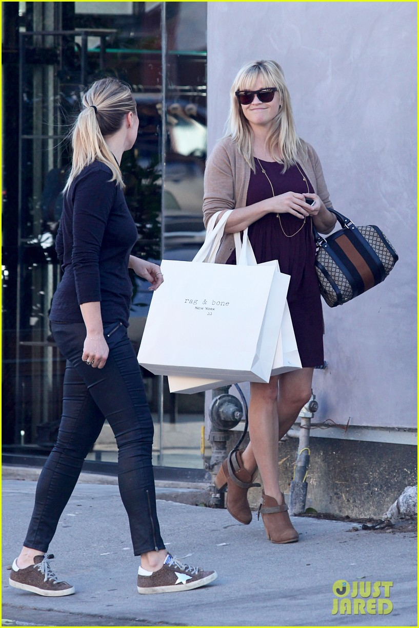 reese witherspoon recording duet with michael buble 102745367