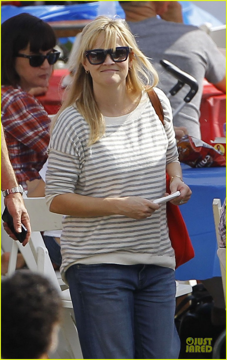 reese witherspoon jim toth carnival couple in brentwood 142742274