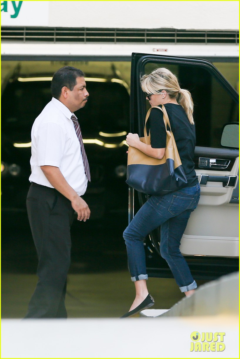 reese witherspoon post baby checkup with jim toth 062740735