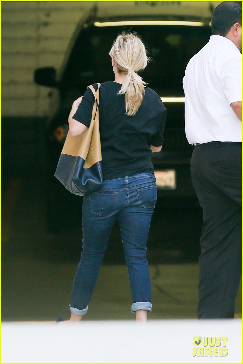 reese witherspoon post baby checkup with jim toth 092740738