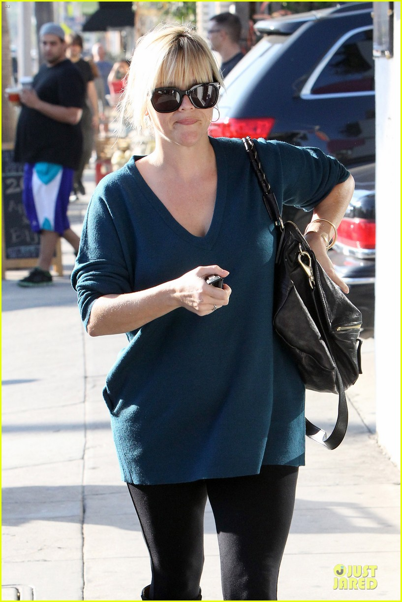 reese witherspoon hals bar and grille gal 04