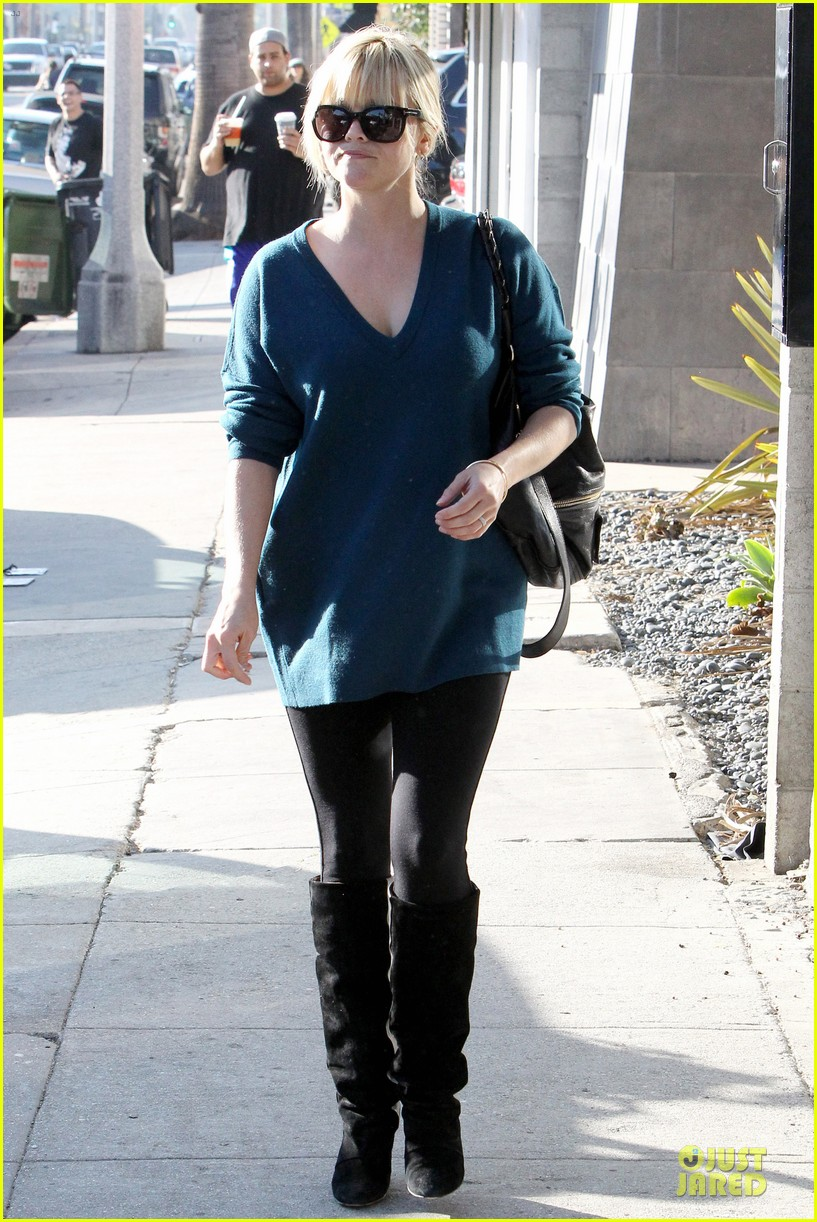 reese witherspoon hals bar and grille gal 132748592