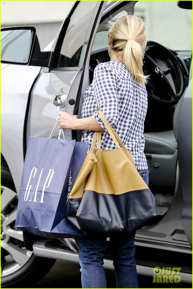 reese witherspoon juices up with deacon 092741209