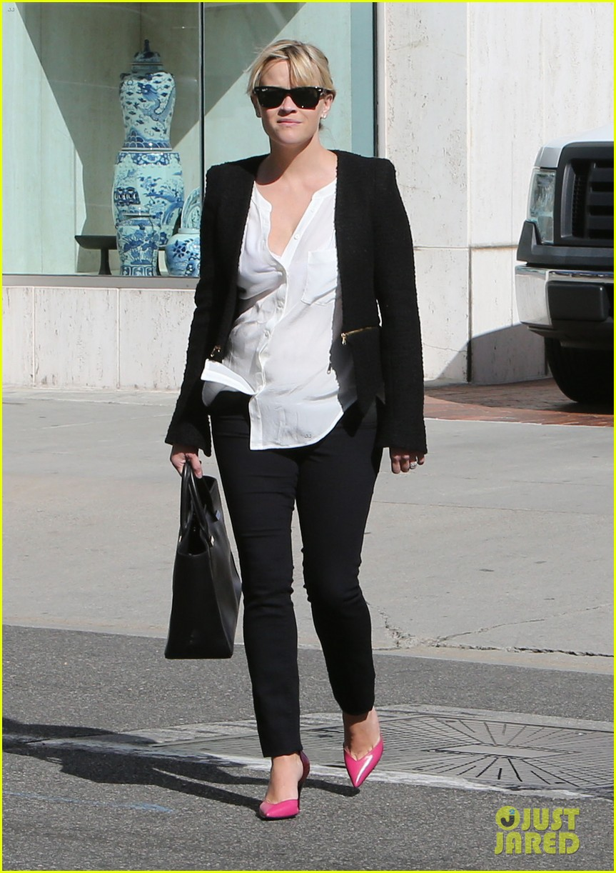 reese witherspoon neiman marcus mama 052744304