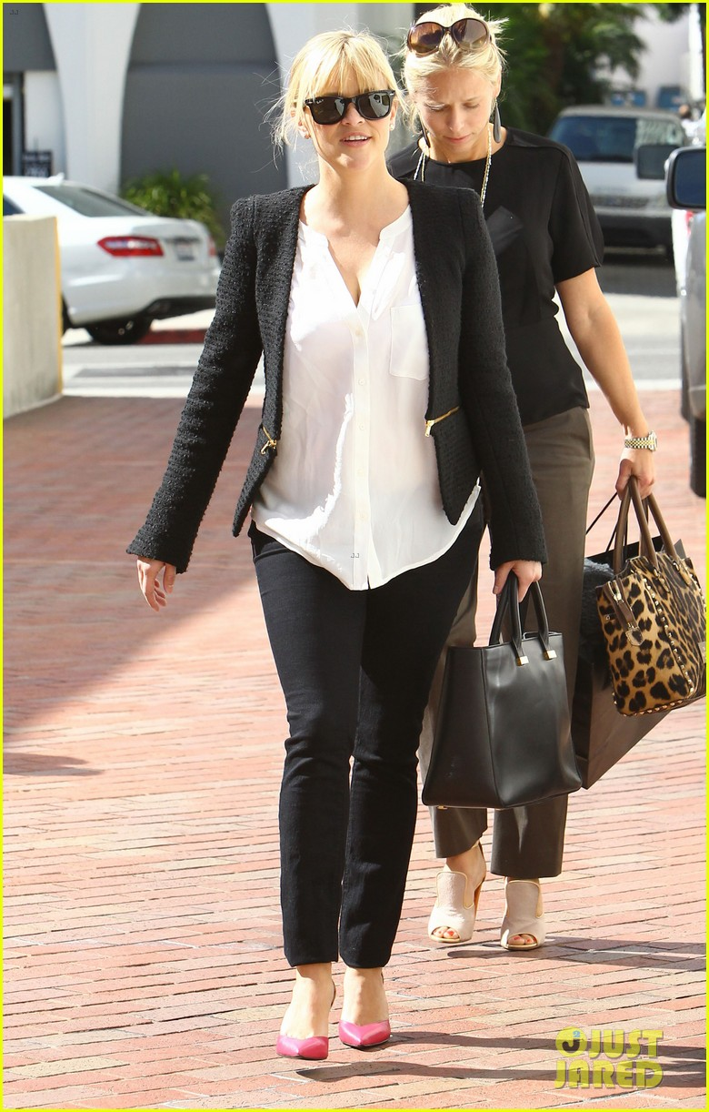 reese witherspoon neiman marcus mama 082744307