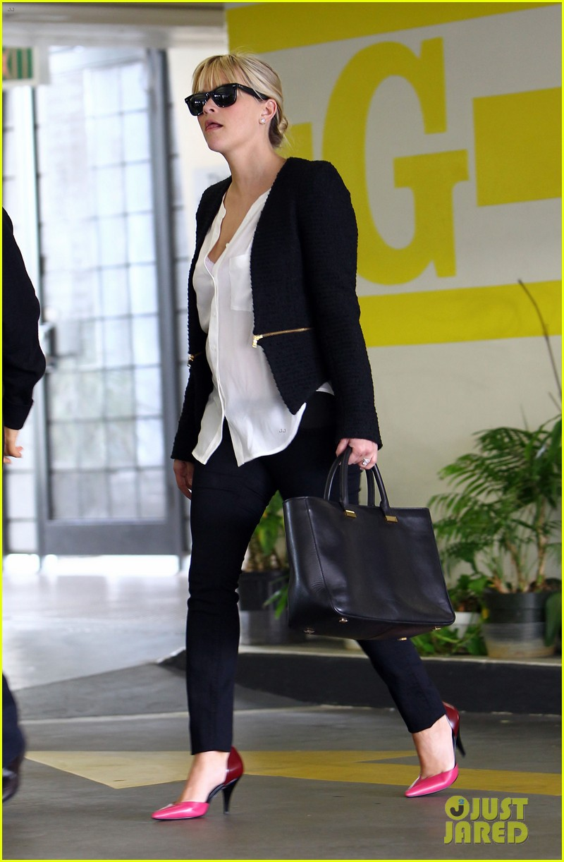 reese witherspoon neiman marcus mama 102744309