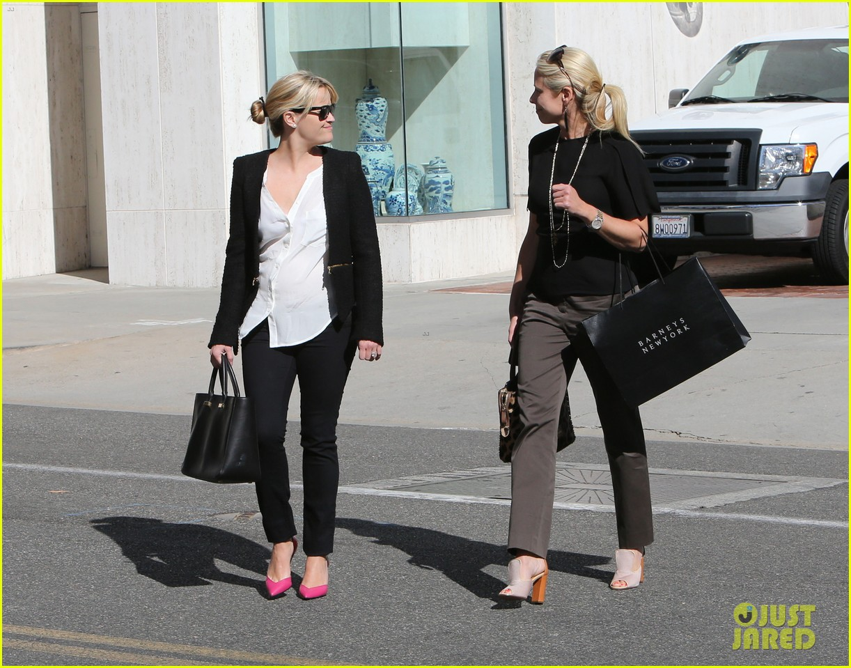 reese witherspoon neiman marcus mama 142744313
